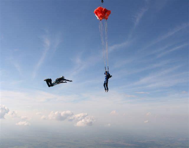 Como é o curso Freefly com a Sky Company e para quem ele é indicado?