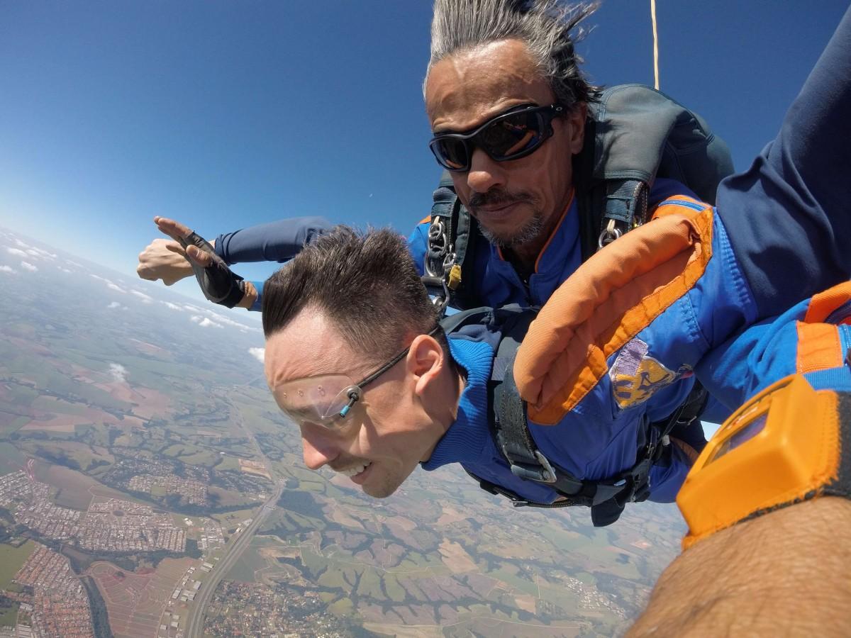 Dicas simples para te ajudar na hora do salto de paraquedas