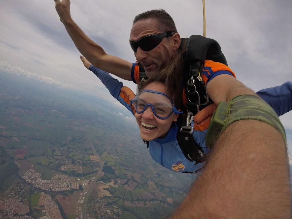 Saltando de paraquedas no aniversário