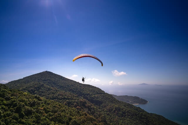 Paraquedista em competição mundial