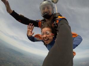 Paraquedista na modalidade freestyle
