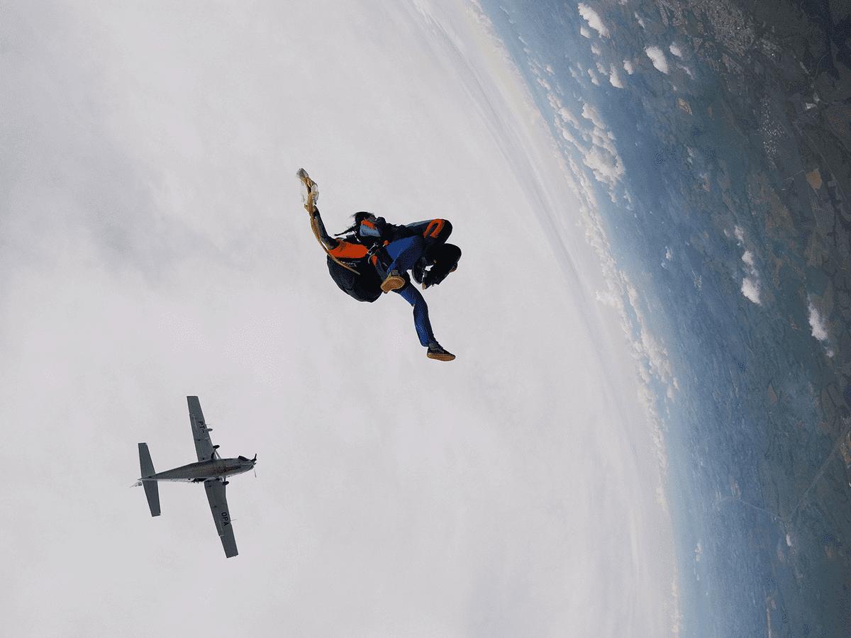 Semelhanças entre o primeiro paraquedas e os usado atualmente