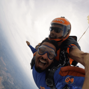 Conheça o primeiro paraquedista do mundo