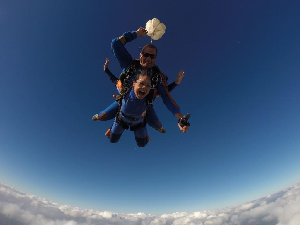 instrucoes-para-saltar-de-paraquedas-paraquedas