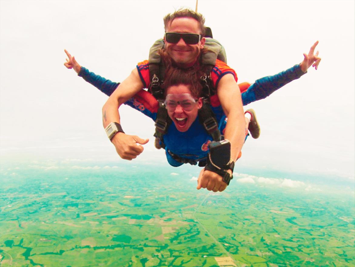 3 motivos para seguir carreira de paraquedista