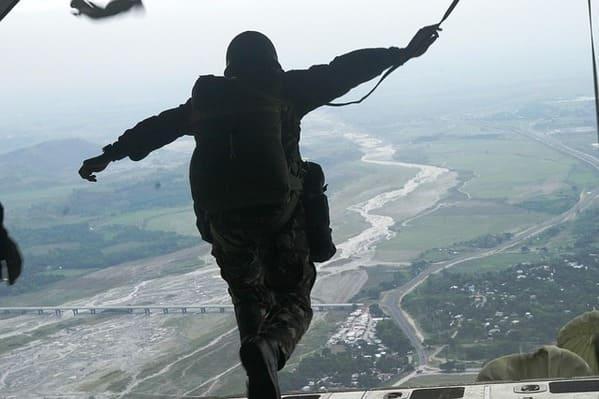 brigada-paraquedista-treino