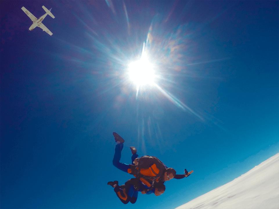 5 razões para pular de paraquedas