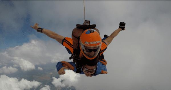 comemorar-o-dia-do-paraquedista-salto