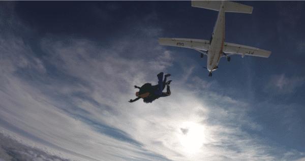 criancas-no-paraquedismo-salto