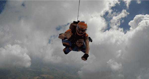 o-que-fazer-nas-ferias-paraquedismo