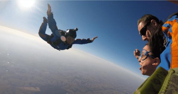 conhecer-o-monte-everest-saltar-de-paraquedas
