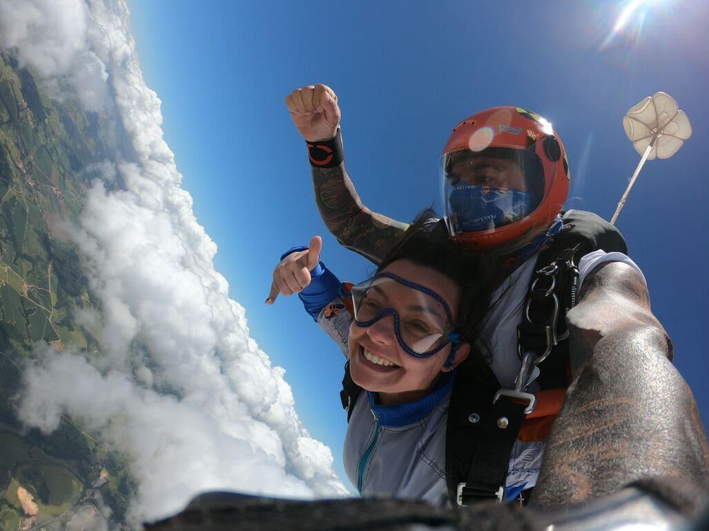 Celebre os melhores momentos com salto de paraquedas