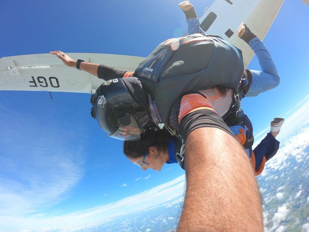 Tem medo de altura mas sonha em saltar de paraquedas? 5 dicas que te ajudarão neste processo