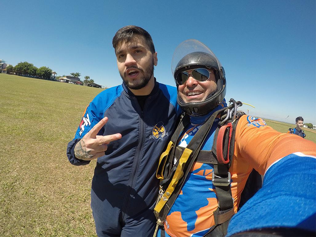 Aprenda a melhorar sua autoconfiança com o salto de paraquedas